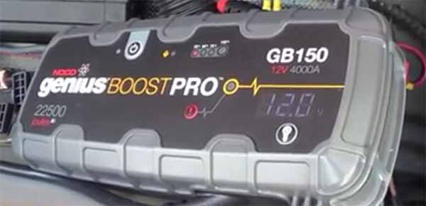 high power jump starter genius boost pro 4000a LCD display 12 volts