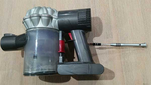 Image of: Dc62 Dyson Dc59 Battery Removal Notsealed Not Sealed Dyson V6 Extended Battery Life Replacement Procedure Dc59 Not Sealed