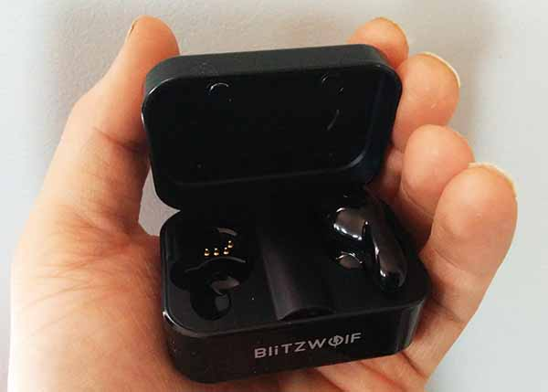 wireless bluetooth in ear headphones blitzwolf charging box