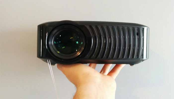 Cheap Portable Projector For Bedroom Ceiling And Walls Not Sealed