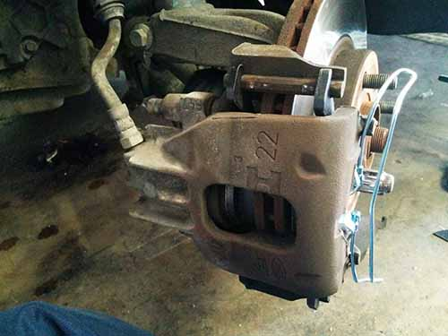 Fully assembled Ford Focus 2003 front brake setup