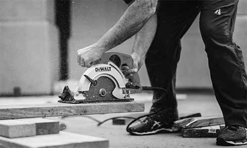 Power Tools Every Man Should Have In His shed Dewalt circular saw
