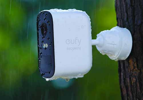 Eufycam in the rain bolted to a tree