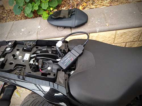 Bafx OBD2 conneced to a 2019 Yamaha MT07 using a 4 pin to Obd2 cable