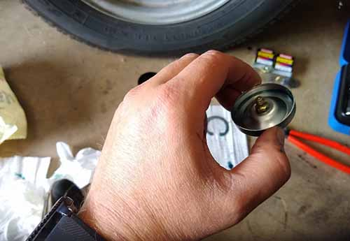 how to grease trailer bearings by using bearing buddies