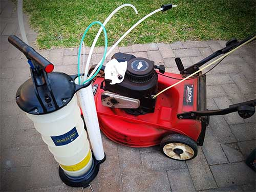 How to change oil in lawn mower without drain plug
