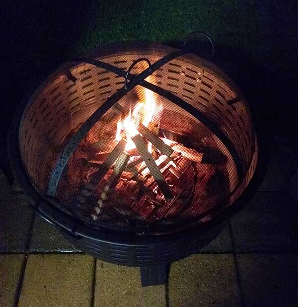 How to light a fire pit without lighter fluid